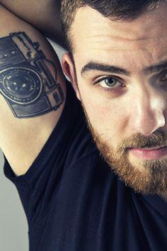 tatuajes de fotografia camara antebrazo