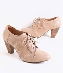 Resultado de imagem para sapatos femininos bege