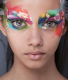 I love this so much, it's so different and unique and BEAUTIFUL! The colour! Imagine you could wear make-up like this everyday and it'd be normal and accepted....from www.jclaudeb.tumblr.com