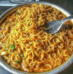 Get Latest Latest Updates On Women's Fashion, Beauty Tips, Health Tips And Home Decoration Think Food, Love Food, Mie Noodles, Food N, Food And Drink, Snap Food, Food Snapchat, Indian Street Food, Tasty