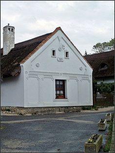 European House, Horse Farms, Amazing Gardens, Hungary, Budapest, Provence, Countryside, Beautiful Homes, Farmhouse