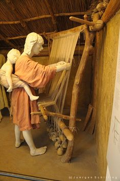 """""""stone age"""" loom at the Deutsches Museum in Munich"""