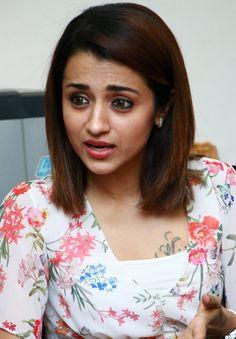 Trisha Actress, Trisha Krishnan, Face Expressions, South Actress, Indian Film Actress, Deepika Padukone, Indian Girls, Hd Photos, Pretty Face