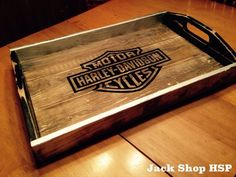 Easy-to-Build Rustic Wood Pallet #Tray | @99Pallets