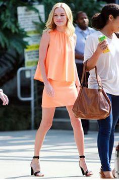 ケイト・ボスワース(Kate Bosworth)・トップショップ(Topshop)アンクルブーツ(Ashford)にH&M (エイチ・アンド・エム)の柄スカート!Carven(カルバン)ツートンカラーワンピースやChristopher Kane(クリストファーケイン)ミニワンピース!・今週の私服最新ファッション画像!・ケイト・ボスワース - セレブカジュアルドットコム