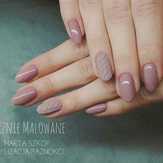 @marta_szkop - ❤ #paznokciehybrydowe #hybryda #paznokciegrodzisk #paznokcie #pazurki #naturalnepaznokcie #delikatnepaznokcie #matowepaznokcie #sweterki #reczniemalowane #zdobienia #zdobienie #mani #manicure #nudenails #hybridnails #nailart #handmade #hobby #beauty #nails #polishgirl #lovenails #nailsoftheday #nails2inspire #nailspiration