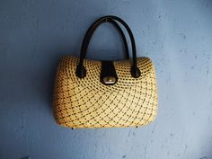 Vintage wicker bag, wonderful.