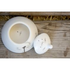 A cleanly-designed matte white ceramic sugar bowl. Matching milk jug and cups available. Dandelion Designs, Milk Jug, Online Gifts, Sugar Bowl, White Ceramics, Pottery, Unique Jewelry, Handmade Gifts, Cabo