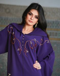 Abaya Style, Crochet Skirt Pattern, Mode Abaya, Arabic Dress, Beauty Hacks Skincare, Moroccan Caftan, Abaya Fashion, Indian Attire, Traditional Outfits