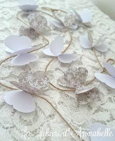 Guirlande de papillon en papier couleurs blanc et taupe