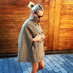 An exclusive Harris Tweed, style ladies cape. Available in 4 distinct patterns & fully lined in a high quality champagne lining. Stylish Outfits, Fall Outfits, Fashion Outfits, Fashion Trends, Capes For Women, Harris Tweed, Fashion Line, Vintage Inspired, High Neck Dress