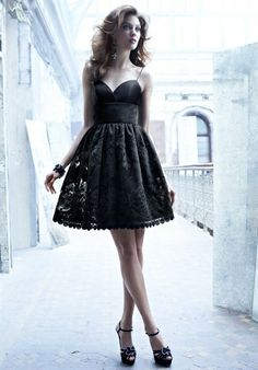 laser cut lace cocktail dress, organza sweetheart bodice with spaghetti straps,flounce skirt.