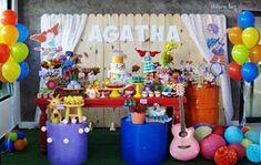 Festa Palavra Cantada!  Como é bom celebrar a vida de quem amamos! Essa família linda fez isso com uma boa dose de amor e muita, muita criatividade!  Cada cantinho da mesa com uma musica diferente. Foram 10 músicas da #palavracantada retratadas na decoração.  Amei amei e amei cada colorido!  Cada móvel na cor dos personagens!  Amei esse projeto!  Clicks @thiaraluzfotopoesia   #festapalavracantada  #decoreminhafestapalavracantada  #festainfantil