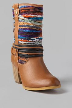 Get ready for a fresh fall look! An all-time favorite on the francesca's shoe team, the oh-so-cute Coachella Woven Bootie