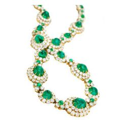 VAN CLEEF & ARPELS An Emerald, Diamond and Gold Sautoir