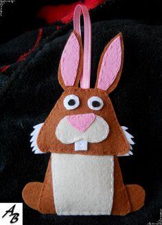 Rabbit clove felt / Królik ząbek filc
