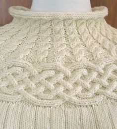 Free Pattern: Réallon pullover