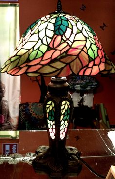 "Tiffany Tischlampe ""Herbstzeit"" Stained Glass, Table Lamp, Lights, Home Decor, Atelier, Tiffany Table Lamps, Lighting, Handmade, Table Lamps"