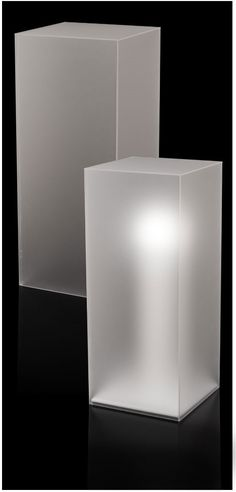 A rectangular or square Frosted Acrylic Pedestal . Our pedestals elegantly display sculpture pottery models and more. Each pedestal is individually crafted at our factory. Our edges are all hand-polished for an exceptionally clean look. Acrylic Sheets, Acrylic Box, Display Design, Store Design, Display Pedestal, Museum Displays, Retail Design, Plexus Products, Glass Art