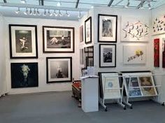 art fair exhibition stands - Google Search Interesting lighting? Art Stand, Exhibition Stands, House Accessories, Cool Lighting, Art Fair, Gallery Wall, Arts And Crafts, Google Search, Frame