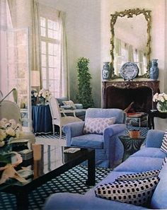La Fiorentina ~ Billy Baldwin ~ Blue and white living room.