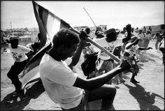 Libres et égaux (photos) Ian Berry, Music Instruments, Concert, Musical Instruments, Concerts