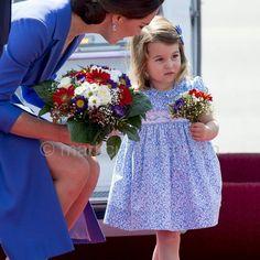 Her very first bouquet via ✨ @padgram ✨(http://dl.padgram.com)