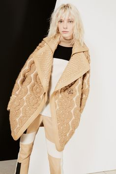 Barbara Bui Fall 2017 Ready-to-Wear Collection Photos - Vogue