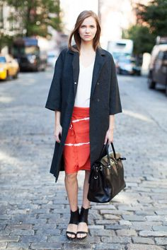 How-to wear a sarong as a skirt (and look incredibly chic while doing so!)