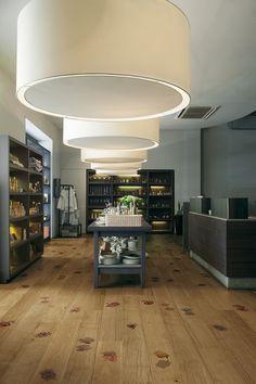 Rosae, design Cinzia Anguissola for XILO1934 wood floors.