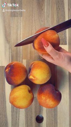 Peach maple bourbon sorbet recipe🤩 Vegetarian Desserts, Paleo Dessert, Dessert Table, Mini Desserts, Summer Desserts, No Bake Desserts, Fruit Sorbet, Fruit Art, Bourbon