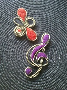 Missi dreams and Montse: Brooches
