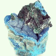 Shattuckite on Malachite on Quartz #crystal