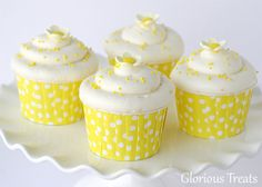 Vanilla Lemon Cupcakes :: Cupcake Monday | The TomKat Studio