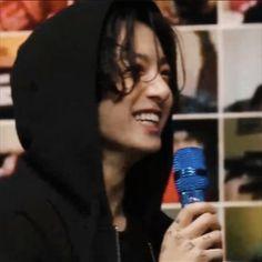Jungkook Smile, Bts Jungkook, Taehyung, Namjoon, Jung Kook, Busan, Rapper, Record Producer, Korean Singer