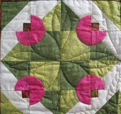Cute block! Love this, it reminds me of one of my all time favorite flowers (peonies).