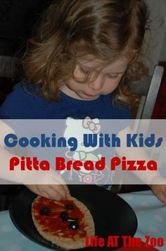 Teach children about food and cooking - simple Pitta Bread Pizza. Easy, delicious and healthy!