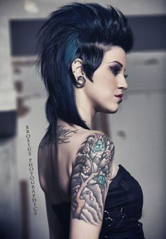 Still loving my undercut hairstyle - mine's like this and it's super easy to care for.  And still fashion forward for an old rocker chick like me...