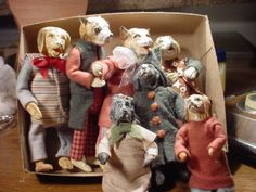 site says: Box of my Dogs, they're all old friends. No dog fights here. Vintage Santas, Vintage Toys, Victorian Toys, Christmas Displays, Dog Fighting, Pull Toy, Paperclay, Jingle All The Way, Black Sheep