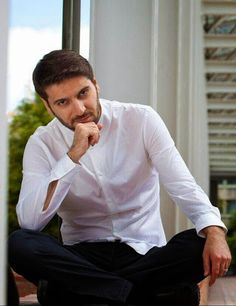 Sami Yusuf - Google+ Maher Zain, Love Rain, Beard Styles, Music Lyrics, Singer, Women, Men's Fashion, Wallpaper, Outfit