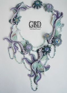 Guzel Bakeeva is famous talented bead artist from Russia. She makes unique beaded jewelry and is winner of the Bead Dreams. Bead Jewellery, Seed Bead Jewelry, Beaded Jewelry, Handmade Jewelry, Beaded Necklace, Necklaces, Bracelets, Bead Embroidery Jewelry, Beaded Embroidery