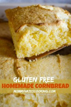 Low Unwanted Fat Cooking For Weightloss Easy Gluten Free Homemade Cornbread - This Homemade Cornbread Will Make You Forget That It's Gluten-Free. It's Just That Delicious And It's An Easy Cornbread Recipe Too. Easy Cornbread Recipe, Gluten Free Cornbread, Homemade Cornbread, Homemade Breads, Homemade Recipe, Gluten Free Cookies, Gluten Free Desserts, Gluten Free Recipes, Bread Recipes