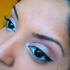 #motd is a shimmery nude lid with teal liner using shadows from my @thebalm_cosmetics Balm Voyage palette.  Browbone: B1 & C3  Crease: C3  Eyelid: D3  Waterline: C2  Tearduct: C1 & A3