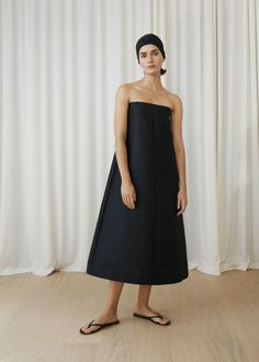 See the complete Totême Stockholm Spring 2018 collection.