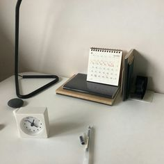 Korean Aesthetic, Beige Aesthetic, Aesthetic Photo, Aesthetic Pictures, Minimal Photography, Desk Setup, Thing 1, Warm Colors, Latte