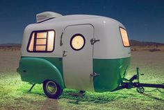 Survival camping tips Light Travel Trailers, Small Camping Trailer, Camping Car, Camping With Kids, Camping Hacks, Tiny Camper, Car Camper, Cool Campers, Happy Campers