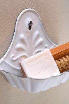 lovely #white #enamel soap dish