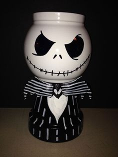 Nightmare before Christmas Jack candy jars - Now this is cool! Made from clay pot (body), glass bowl for head and ribbon for tie. Dulceros Halloween, Halloween Projects, Clay Pot Projects, Clay Pot Crafts, Fall Crafts, Holiday Crafts, Diy And Crafts, Tree Crafts, Flower Pot Crafts