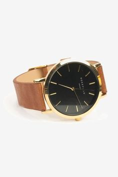 The Gramercy model by our popular watch brand Rosefield is a minimalistic designed watch. This Gramercy is produced with detachable brown wrist straps that are