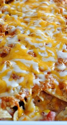 Super Simple Southwest Chicken Bake- make this yummy main dish and enjoy. This is sort of like chicken nachos in a casserole dish. Garlic Butter Chicken, Baked Chicken, Easy Pasta Dishes, Food Dishes, Mexican Bowl Recipe, Keto Chicken Casserole, Casserole Recipes, Pizza Recipes, Snack Recipes
